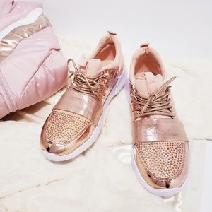 Shoes - 💕Lightweight Comfort Slip On Rose Gold Sneakers💕